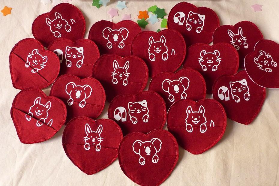 Saint Valentin broche sérigraphiée artisanale avec des animaux mignons