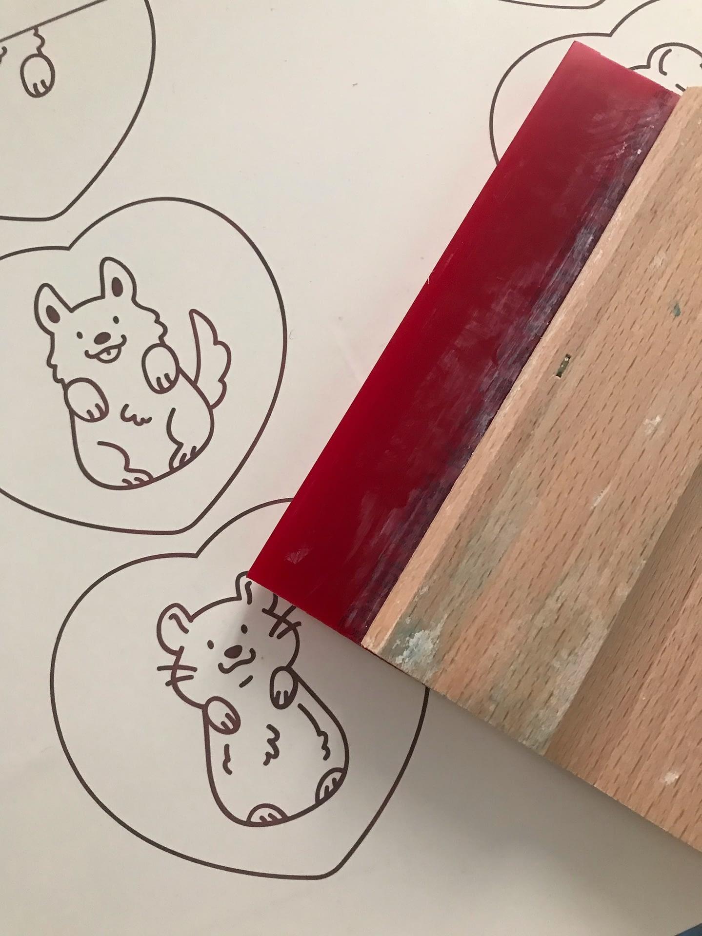 Sérigraphie d'animaux mignons pour créer des broches, spécial Saint Valentin